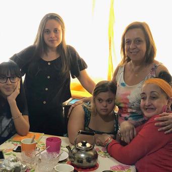 La madre de una joven con síndrome de Down que crea recursos para su aprendizaje