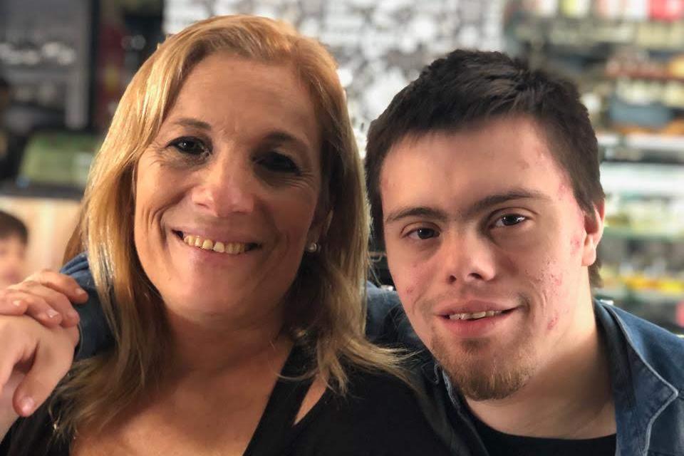 Escuela y familia unidas apoyando el paso por la secundaria de un joven con síndrome de Down