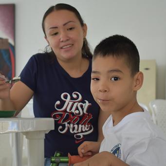 Un niño que no deja de crecer sin autoexcluirse por su discapacidad